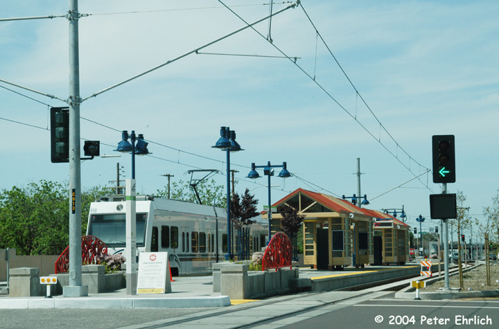 (136k, 720x475)<br><b>Country:</b> United States<br><b>City:</b> San Jose, CA<br><b>System:</b> Santa Clara VTA<br><b>Line:</b> VTA Tasman East/Capitol<br><b>Location:</b> Hostetter <br><b>Car:</b> VTA Kinki-Sharyo 910 <br><b>Photo by:</b> Peter Ehrlich<br><b>Date:</b> 3/28/2004<br><b>Viewed (this week/total):</b> 2 / 1448