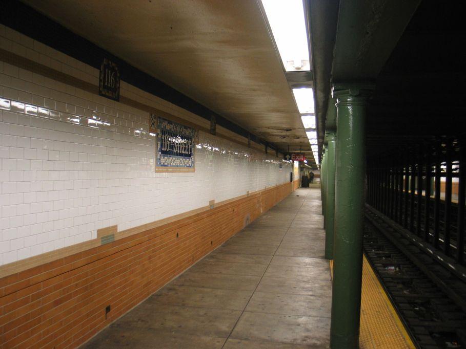 (75k, 909x682)<br><b>Country:</b> United States<br><b>City:</b> New York<br><b>System:</b> New York City Transit<br><b>Line:</b> IRT Lenox Line<br><b>Location:</b> 116th Street <br><b>Photo by:</b> Brian Weinberg<br><b>Date:</b> 5/17/2004<br><b>Viewed (this week/total):</b> 0 / 3649