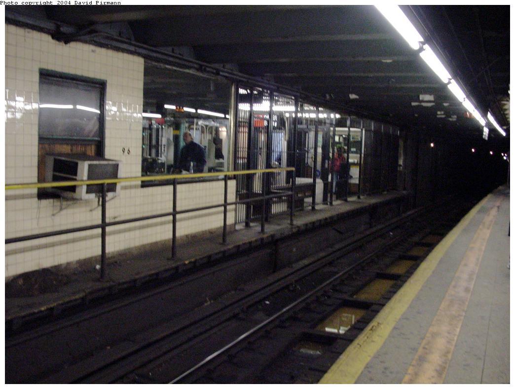 (116k, 1044x788)<br><b>Country:</b> United States<br><b>City:</b> New York<br><b>System:</b> New York City Transit<br><b>Line:</b> IRT West Side Line<br><b>Location:</b> 96th Street <br><b>Photo by:</b> David Pirmann<br><b>Date:</b> 3/12/2000<br><b>Viewed (this week/total):</b> 2 / 2839