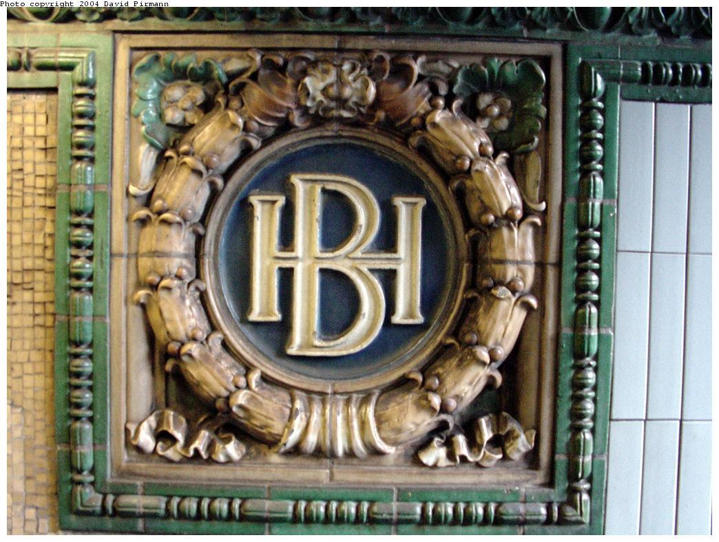 (160k, 1044x788)<br><b>Country:</b> United States<br><b>City:</b> New York<br><b>System:</b> New York City Transit<br><b>Line:</b> IRT Brooklyn Line<br><b>Location:</b> Borough Hall (East Side Branch)<br><b>Photo by:</b> David Pirmann<br><b>Date:</b> 3/12/2000<br><b>Viewed (this week/total):</b> 6 / 4142