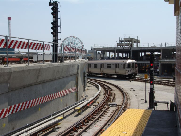 (75k, 768x576)<br><b>Country:</b> United States<br><b>City:</b> New York<br><b>System:</b> New York City Transit<br><b>Location:</b> Coney Island/Stillwell Avenue<br><b>Route:</b> F<br><b>Car:</b> R-46 (Pullman-Standard, 1974-75)  <br><b>Photo by:</b> Richard Panse<br><b>Date:</b> 5/23/2004<br><b>Viewed (this week/total):</b> 0 / 5221