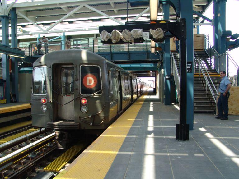 (86k, 768x576)<br><b>Country:</b> United States<br><b>City:</b> New York<br><b>System:</b> New York City Transit<br><b>Location:</b> Coney Island/Stillwell Avenue<br><b>Route:</b> D<br><b>Car:</b> R-68/R-68A Series (Number Unknown)  <br><b>Photo by:</b> Richard Panse<br><b>Date:</b> 5/23/2004<br><b>Viewed (this week/total):</b> 1 / 4235