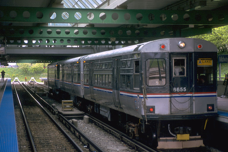 (96k, 768x512)<br><b>Country:</b> United States<br><b>City:</b> Chicago, IL<br><b>System:</b> Chicago Transit Authority<br><b>Line:</b> CTA Orange (Midway)<br><b>Location:</b> Midway<br><b>Route:</b> Fan Trip<br><b>Car:</b> CTA 6000 Series 6655 <br><b>Photo by:</b> Mike Farrell<br><b>Date:</b> 5/6/2001<br><b>Viewed (this week/total):</b> 1 / 3033