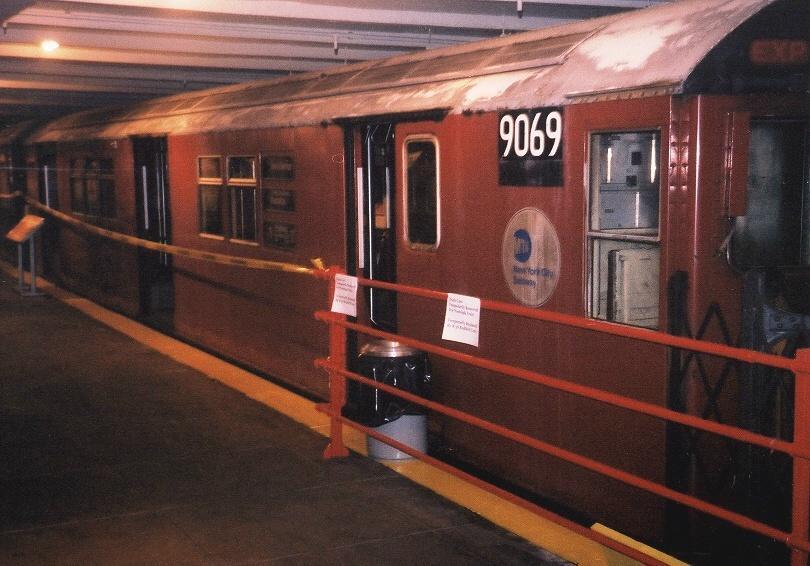 (66k, 810x566)<br><b>Country:</b> United States<br><b>City:</b> New York<br><b>System:</b> New York City Transit<br><b>Location:</b> New York Transit Museum<br><b>Car:</b> R-33 Main Line (St. Louis, 1962-63) 9069 <br><b>Photo by:</b> Gary Chatterton<br><b>Date:</b> 4/24/2004<br><b>Viewed (this week/total):</b> 1 / 5050