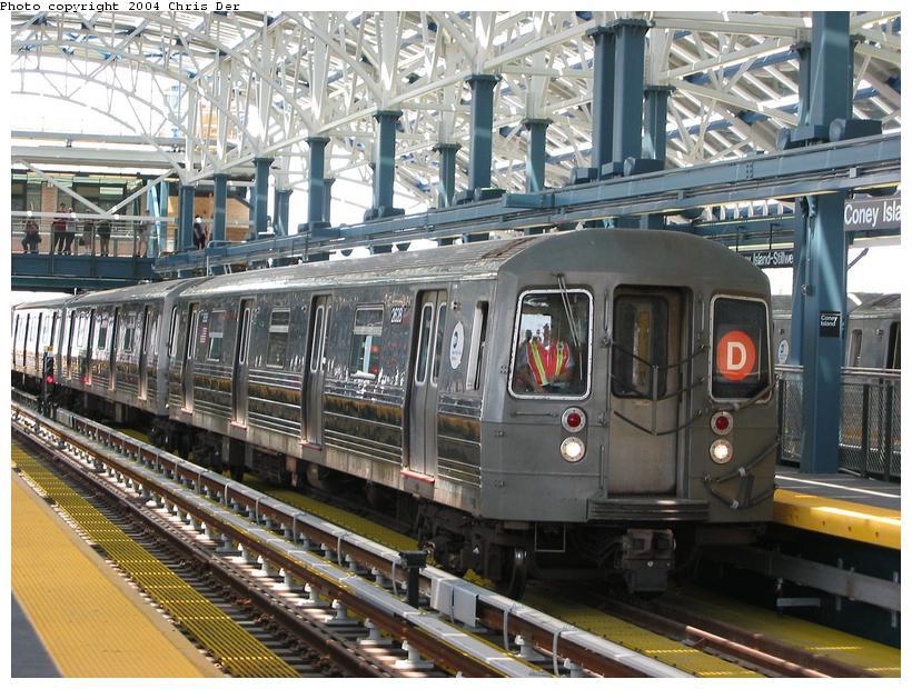 (112k, 820x620)<br><b>Country:</b> United States<br><b>City:</b> New York<br><b>System:</b> New York City Transit<br><b>Location:</b> Coney Island/Stillwell Avenue<br><b>Route:</b> D<br><b>Car:</b> R-68 (Westinghouse-Amrail, 1986-1988)  2628 <br><b>Photo by:</b> Chris Der<br><b>Date:</b> 5/23/2004<br><b>Viewed (this week/total):</b> 0 / 4338