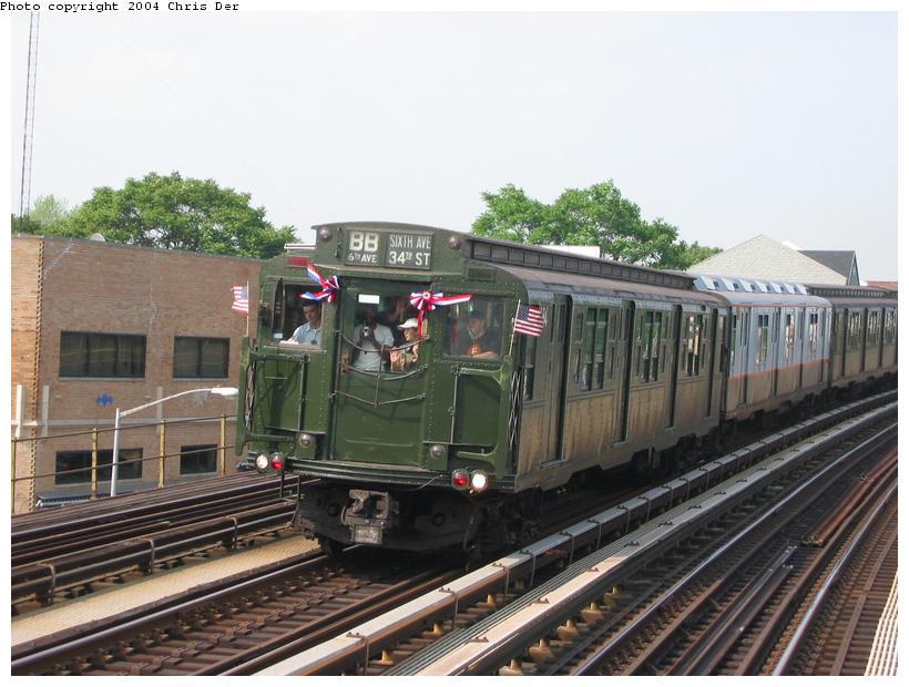 (81k, 820x620)<br><b>Country:</b> United States<br><b>City:</b> New York<br><b>System:</b> New York City Transit<br><b>Line:</b> BMT Astoria Line<br><b>Location:</b> Astoria Boulevard/Hoyt Avenue <br><b>Route:</b> Fan Trip<br><b>Car:</b> R-1 (American Car & Foundry, 1930-1931) 100 <br><b>Photo by:</b> Chris Der<br><b>Date:</b> 5/23/2004<br><b>Viewed (this week/total):</b> 0 / 3513