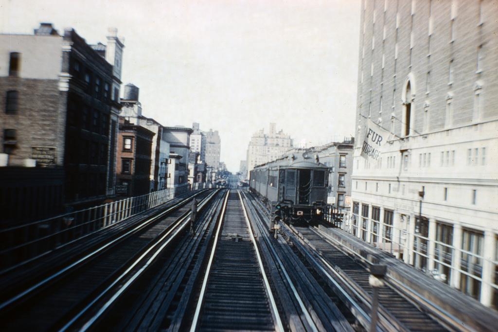 (360k, 1044x697)<br><b>Country:</b> United States<br><b>City:</b> New York<br><b>System:</b> New York City Transit<br><b>Line:</b> 3rd Avenue El<br><b>Location:</b> 67th Street <br><b>Car:</b> MUDC  <br><b>Collection of:</b> David Pirmann<br><b>Notes:</b> Northbound el train leaving 67th Street<br><b>Viewed (this week/total):</b> 1 / 5493