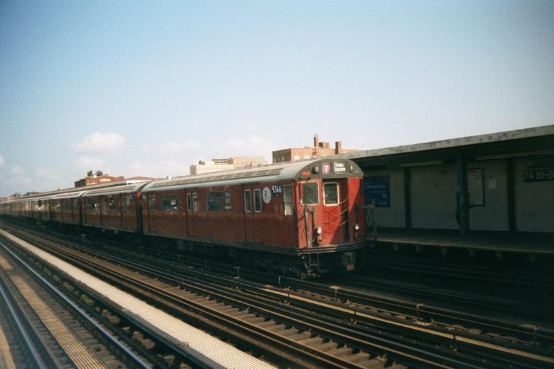 (66k, 800x533)<br><b>Country:</b> United States<br><b>City:</b> New York<br><b>System:</b> New York City Transit<br><b>Line:</b> IRT Flushing Line<br><b>Location:</b> 74th Street/Broadway <br><b>Route:</b> 7<br><b>Car:</b> R-36 World's Fair (St. Louis, 1963-64) 9346 <br><b>Photo by:</b> Robert Marrero<br><b>Date:</b> 10/2001<br><b>Viewed (this week/total):</b> 0 / 2569