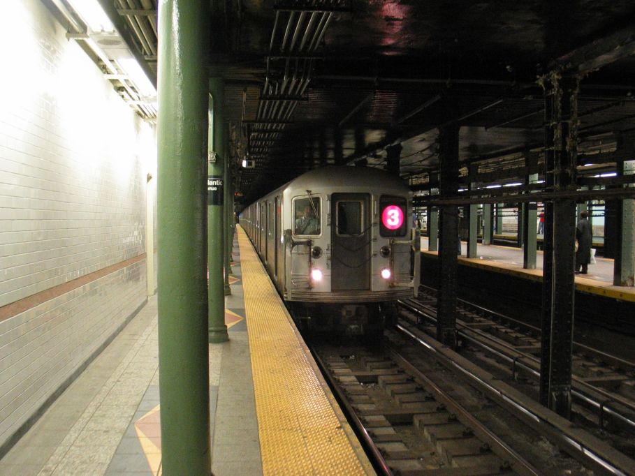 (106k, 909x682)<br><b>Country:</b> United States<br><b>City:</b> New York<br><b>System:</b> New York City Transit<br><b>Line:</b> IRT Brooklyn Line<br><b>Location:</b> Atlantic Avenue <br><b>Route:</b> 3<br><b>Car:</b> R-62 (Kawasaki, 1983-1985)  1616 <br><b>Photo by:</b> Brian Weinberg<br><b>Date:</b> 5/31/2004<br><b>Viewed (this week/total):</b> 4 / 6851