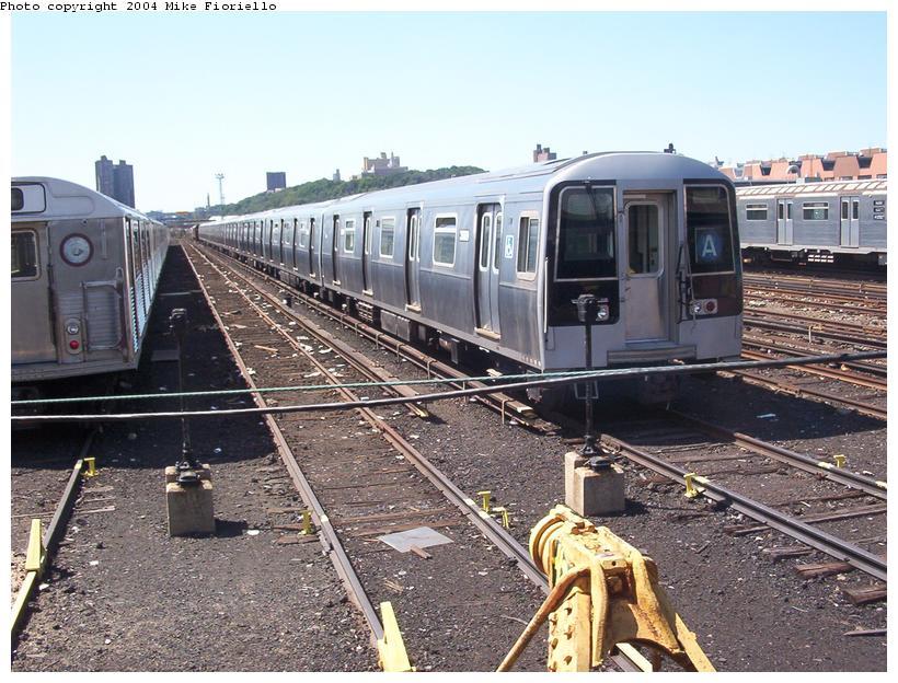 (113k, 820x624)<br><b>Country:</b> United States<br><b>City:</b> New York<br><b>System:</b> New York City Transit<br><b>Location:</b> 207th Street Yard<br><b>Car:</b> R-110B (Bombardier, 1992) 3009 <br><b>Photo by:</b> Mike Fioriello<br><b>Date:</b> 8/24/2003<br><b>Viewed (this week/total):</b> 0 / 7089