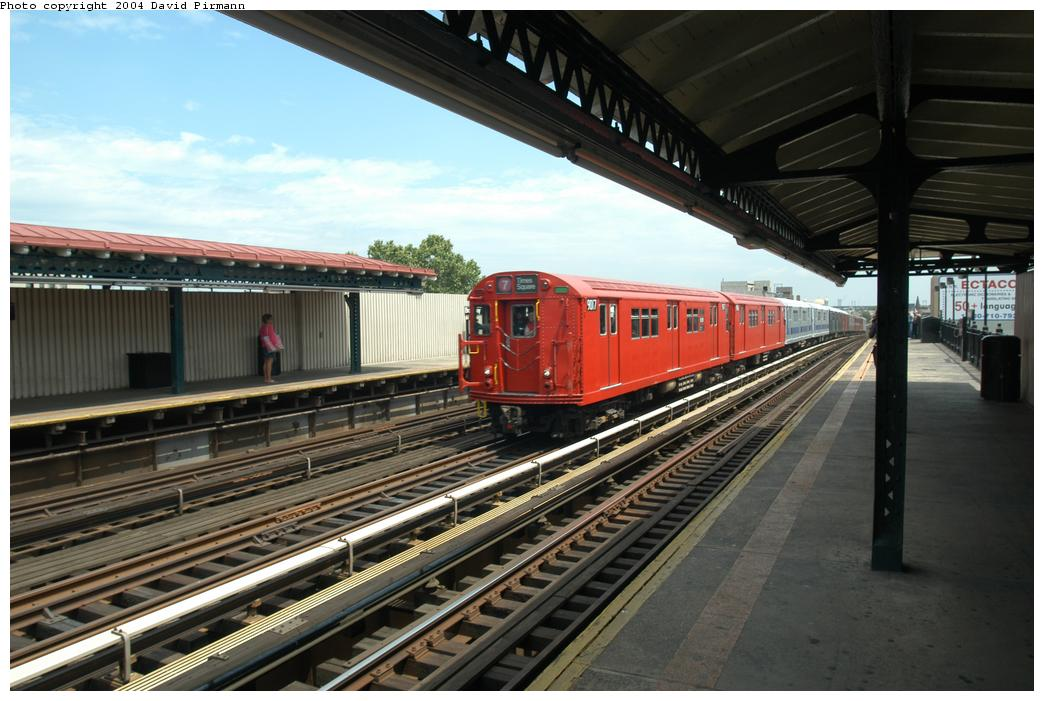 (158k, 1044x701)<br><b>Country:</b> United States<br><b>City:</b> New York<br><b>System:</b> New York City Transit<br><b>Line:</b> BMT Astoria Line<br><b>Location:</b> Broadway <br><b>Route:</b> Fan Trip<br><b>Car:</b> R-33 Main Line (St. Louis, 1962-63) 9017 <br><b>Photo by:</b> David Pirmann<br><b>Date:</b> 6/19/2004<br><b>Viewed (this week/total):</b> 4 / 2462