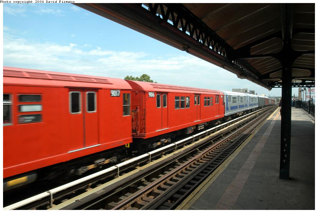 (150k, 1044x701)<br><b>Country:</b> United States<br><b>City:</b> New York<br><b>System:</b> New York City Transit<br><b>Line:</b> BMT Astoria Line<br><b>Location:</b> Broadway <br><b>Route:</b> Fan Trip<br><b>Car:</b> R-33 Main Line (St. Louis, 1962-63) 9016 <br><b>Photo by:</b> David Pirmann<br><b>Date:</b> 6/19/2004<br><b>Viewed (this week/total):</b> 0 / 2926