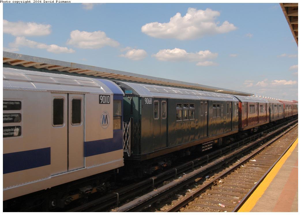 (132k, 1044x747)<br><b>Country:</b> United States<br><b>City:</b> New York<br><b>System:</b> New York City Transit<br><b>Line:</b> IND Rockaway<br><b>Location:</b> Beach 90th Street/Holland <br><b>Route:</b> Fan Trip<br><b>Car:</b> R-33 Main Line (St. Louis, 1962-63) 9068 <br><b>Photo by:</b> David Pirmann<br><b>Date:</b> 6/19/2004<br><b>Viewed (this week/total):</b> 1 / 2785