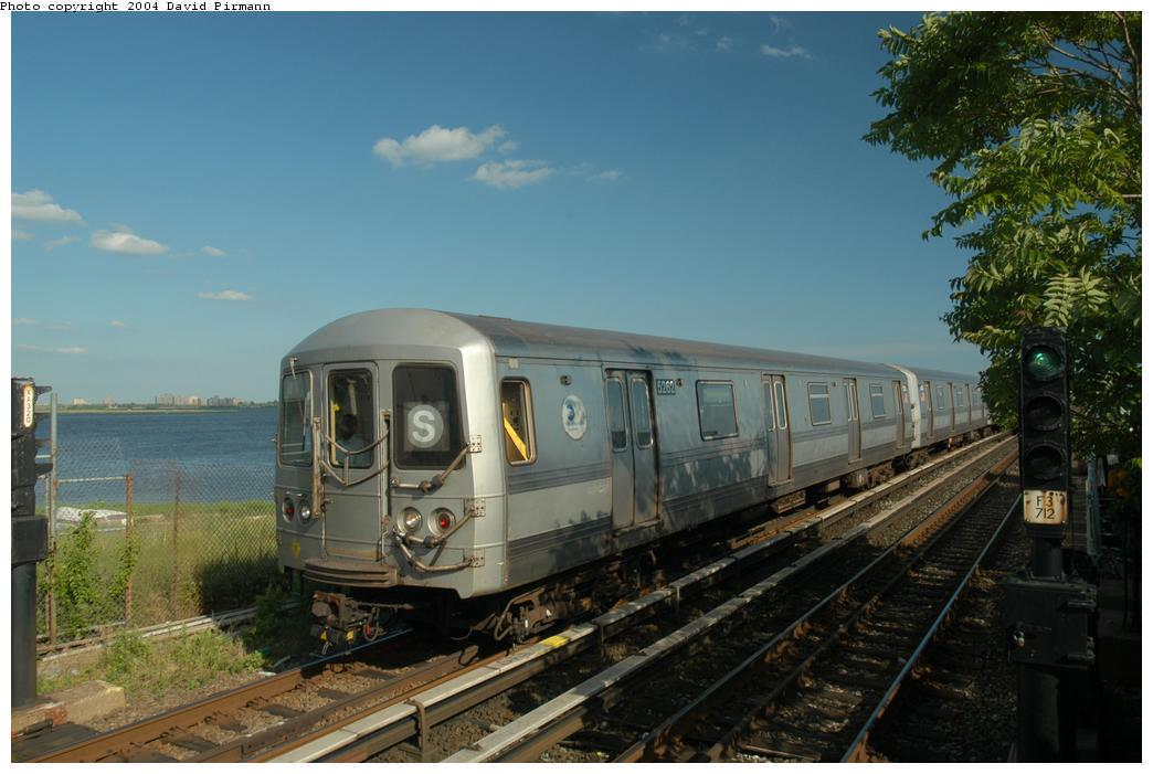 (152k, 1044x701)<br><b>Country:</b> United States<br><b>City:</b> New York<br><b>System:</b> New York City Transit<br><b>Line:</b> IND Rockaway<br><b>Location:</b> Broad Channel <br><b>Route:</b> S<br><b>Car:</b> R-44 (St. Louis, 1971-73) 5262 <br><b>Photo by:</b> David Pirmann<br><b>Date:</b> 6/19/2004<br><b>Viewed (this week/total):</b> 0 / 3869