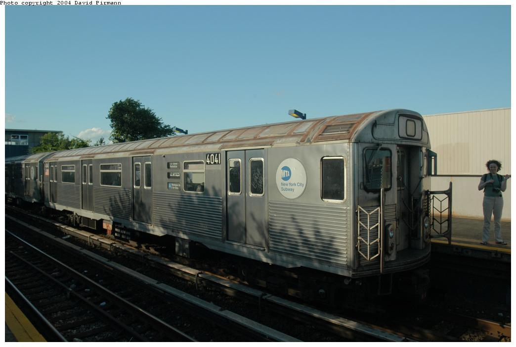 (117k, 1044x701)<br><b>Country:</b> United States<br><b>City:</b> New York<br><b>System:</b> New York City Transit<br><b>Line:</b> IND Rockaway<br><b>Location:</b> Broad Channel <br><b>Route:</b> A<br><b>Car:</b> R-38 (St. Louis, 1966-1967)  4041 <br><b>Photo by:</b> David Pirmann<br><b>Date:</b> 6/19/2004<br><b>Viewed (this week/total):</b> 0 / 2815
