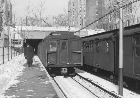 (109k, 459x321)<br><b>Country:</b> United States<br><b>City:</b> New York<br><b>System:</b> New York City Transit<br><b>Line:</b> BMT Franklin<br><b>Location:</b> Botanic Garden <br><b>Route:</b> Franklin Shuttle<br><b>Car:</b> BMT A/B-Type Standard  <br><b>Photo by:</b> Harry Pinsker<br><b>Date:</b> 1/21/1961<br><b>Viewed (this week/total):</b> 0 / 4810
