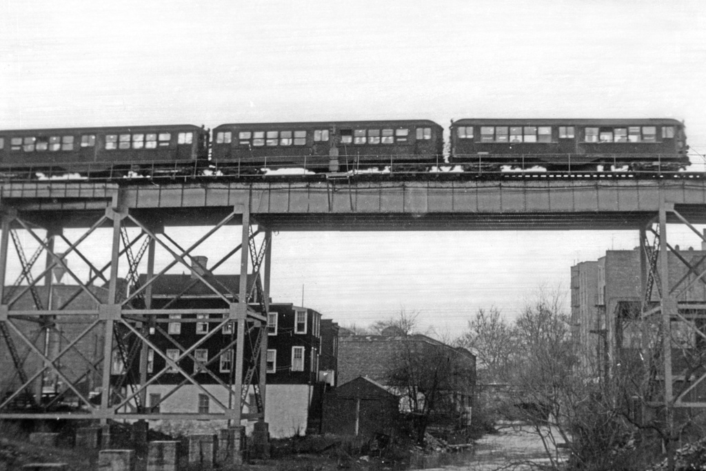 (246k, 1024x683)<br><b>Country:</b> United States<br><b>City:</b> New York<br><b>System:</b> New York City Transit<br><b>Line:</b> IRT White Plains Road Line<br><b>Location:</b> Bronx River Bridge-White Plains Rd. Line<br><b>Car:</b> Low-V  <br><b>Collection of:</b> David Pirmann<br><b>Viewed (this week/total):</b> 1 / 3142