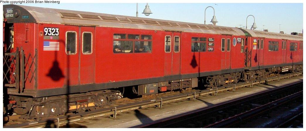 (108k, 1044x447)<br><b>Country:</b> United States<br><b>City:</b> New York<br><b>System:</b> New York City Transit<br><b>Line:</b> IRT Flushing Line<br><b>Location:</b> 40th Street/Lowery Street <br><b>Route:</b> 7<br><b>Car:</b> R-33 World's Fair (St. Louis, 1963-64) 9323 <br><b>Photo by:</b> Brian Weinberg<br><b>Date:</b> 1/7/2003<br><b>Viewed (this week/total):</b> 0 / 3495