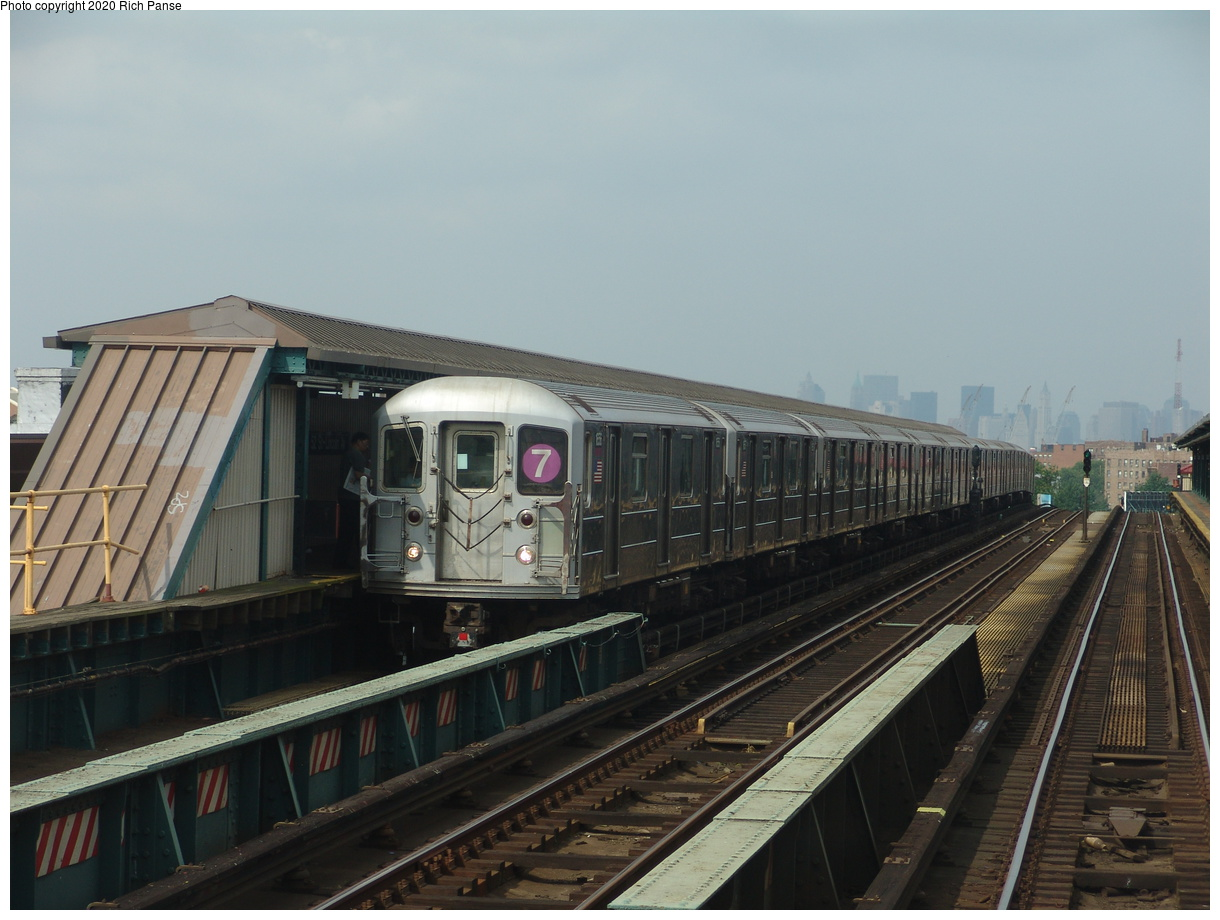 (74k, 820x620)<br><b>Country:</b> United States<br><b>City:</b> New York<br><b>System:</b> New York City Transit<br><b>Line:</b> IRT Flushing Line<br><b>Location:</b> 52nd Street/Lincoln Avenue <br><b>Route:</b> 7<br><b>Car:</b> R-62A (Bombardier, 1984-1987)  1656 <br><b>Photo by:</b> Richard Panse<br><b>Date:</b> 6/19/2004<br><b>Viewed (this week/total):</b> 0 / 4104