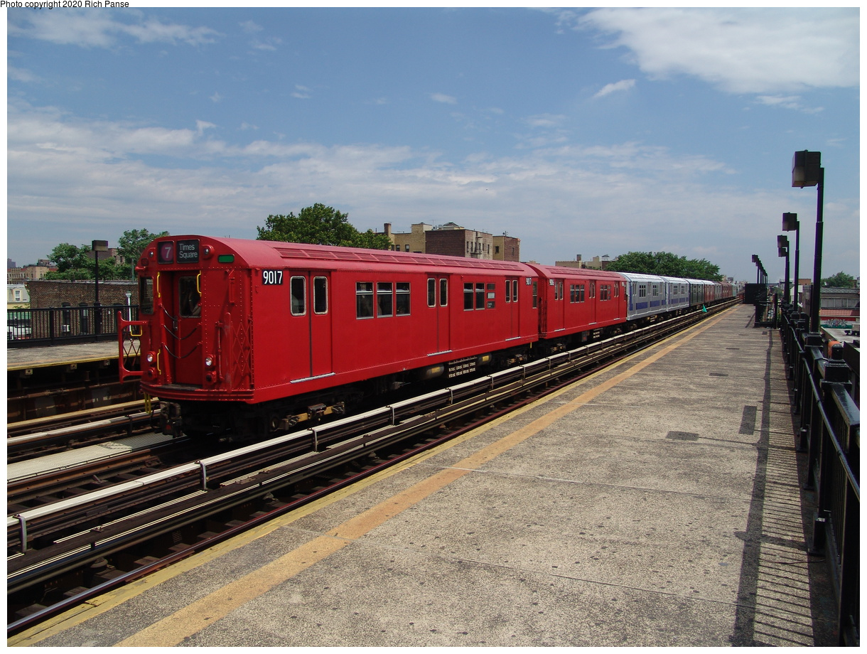 (103k, 820x620)<br><b>Country:</b> United States<br><b>City:</b> New York<br><b>System:</b> New York City Transit<br><b>Line:</b> BMT Astoria Line<br><b>Location:</b> 36th/Washington Aves. <br><b>Route:</b> Fan Trip<br><b>Car:</b> R-33 Main Line (St. Louis, 1962-63) 9017 <br><b>Photo by:</b> Richard Panse<br><b>Date:</b> 6/19/2004<br><b>Viewed (this week/total):</b> 0 / 2543