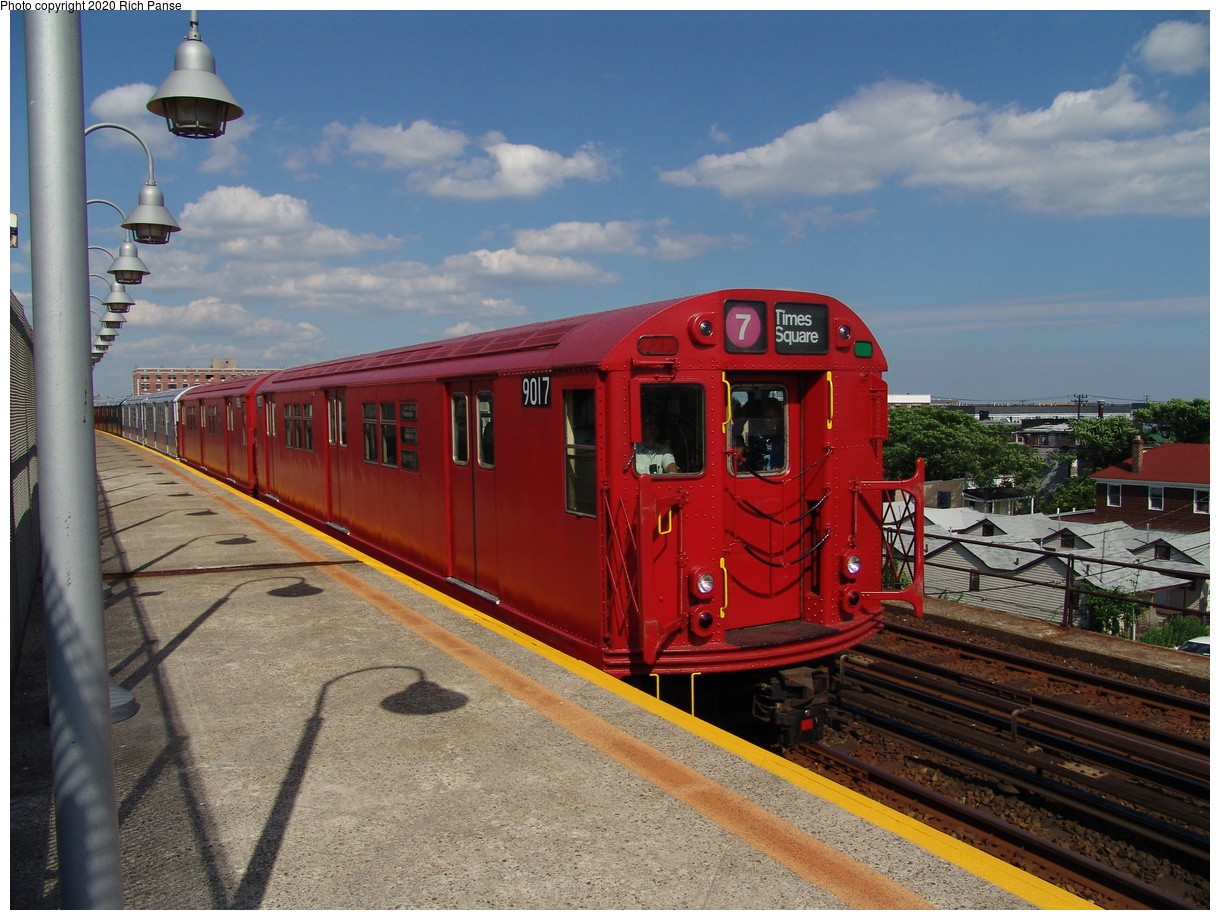 (94k, 820x620)<br><b>Country:</b> United States<br><b>City:</b> New York<br><b>System:</b> New York City Transit<br><b>Line:</b> IND Rockaway<br><b>Location:</b> Beach 98th Street/Playland <br><b>Route:</b> Fan Trip<br><b>Car:</b> R-33 Main Line (St. Louis, 1962-63) 9017 <br><b>Photo by:</b> Richard Panse<br><b>Date:</b> 6/19/2004<br><b>Viewed (this week/total):</b> 15 / 6822