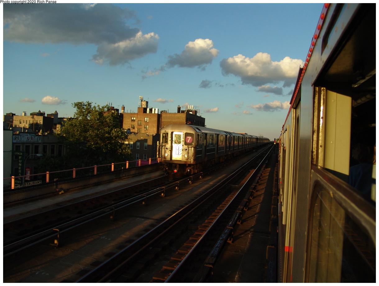 (73k, 820x620)<br><b>Country:</b> United States<br><b>City:</b> New York<br><b>System:</b> New York City Transit<br><b>Line:</b> IRT Flushing Line<br><b>Location:</b> Between 40th and 46th/Flushing Line<br><b>Route:</b> 7<br><b>Car:</b> R-62A (Bombardier, 1984-1987)  2145 <br><b>Photo by:</b> Richard Panse<br><b>Date:</b> 6/19/2004<br><b>Viewed (this week/total):</b> 0 / 2477