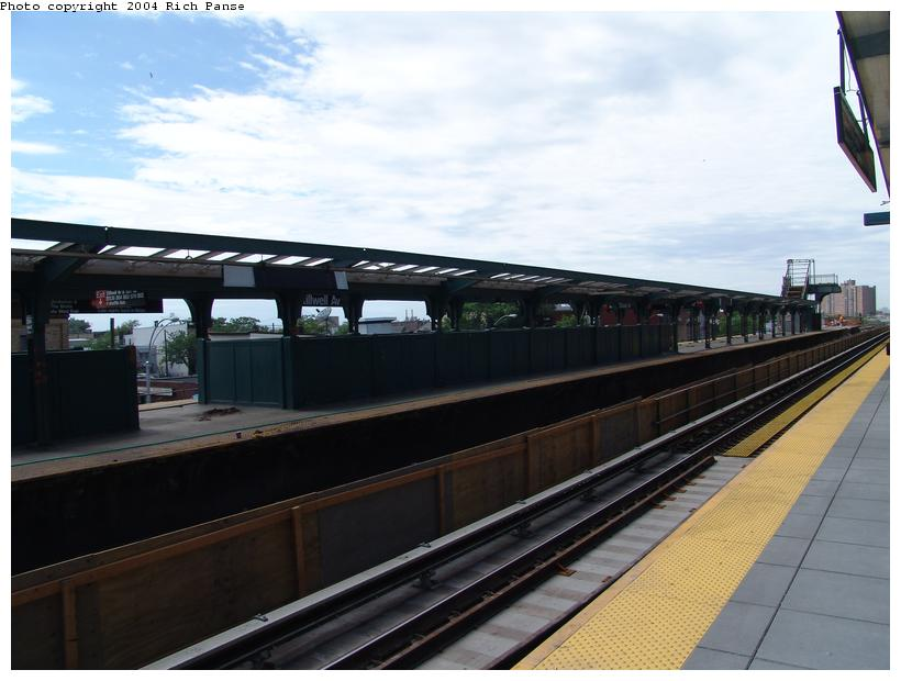 (77k, 820x620)<br><b>Country:</b> United States<br><b>City:</b> New York<br><b>System:</b> New York City Transit<br><b>Location:</b> Coney Island/Stillwell Avenue<br><b>Photo by:</b> Richard Panse<br><b>Date:</b> 6/13/2004<br><b>Viewed (this week/total):</b> 0 / 2484