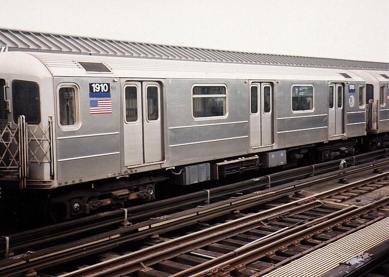 (239k, 780x556)<br><b>Country:</b> United States<br><b>City:</b> New York<br><b>System:</b> New York City Transit<br><b>Line:</b> IRT Flushing Line<br><b>Location:</b> 52nd Street/Lincoln Avenue <br><b>Car:</b> R-62A (Bombardier, 1984-1987)  1910 <br><b>Photo by:</b> Gary Chatterton<br><b>Date:</b> 4/24/2004<br><b>Viewed (this week/total):</b> 0 / 3456