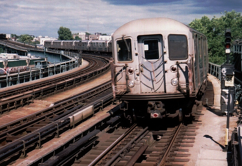 (262k, 810x556)<br><b>Country:</b> United States<br><b>City:</b> New York<br><b>System:</b> New York City Transit<br><b>Line:</b> IRT Flushing Line<br><b>Location:</b> 46th Street/Bliss Street <br><b>Car:</b> R-62A (Bombardier, 1984-1987)  2144 <br><b>Photo by:</b> Gary Chatterton<br><b>Date:</b> 7/7/2004<br><b>Viewed (this week/total):</b> 1 / 3763