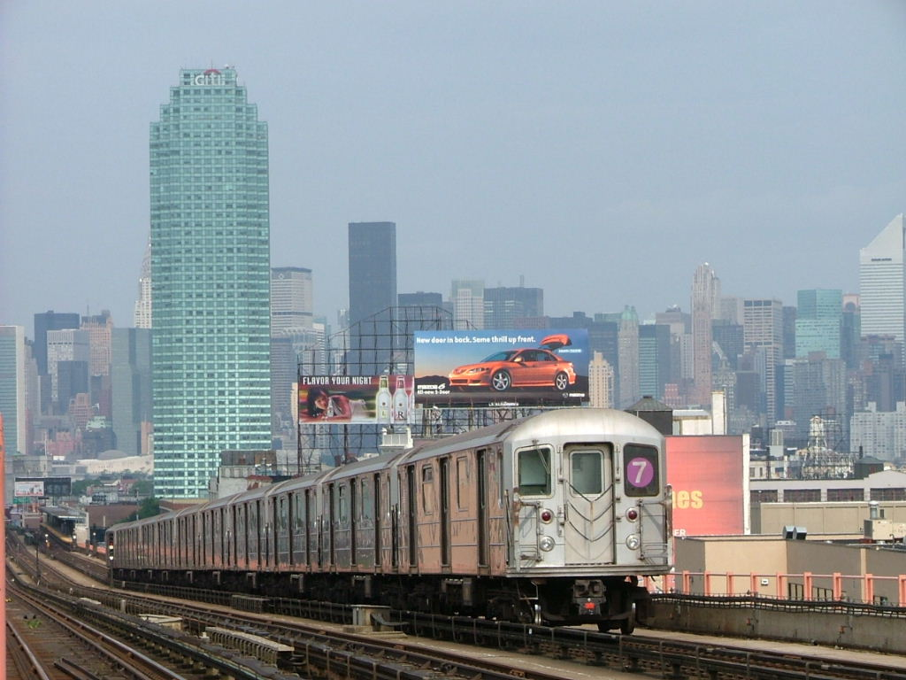 (131k, 1024x768)<br><b>Country:</b> United States<br><b>City:</b> New York<br><b>System:</b> New York City Transit<br><b>Line:</b> IRT Flushing Line<br><b>Location:</b> 40th Street/Lowery Street <br><b>Car:</b> R-62A (Bombardier, 1984-1987)   <br><b>Photo by:</b> Carlton Walton<br><b>Date:</b> 6/19/2004<br><b>Viewed (this week/total):</b> 0 / 5398