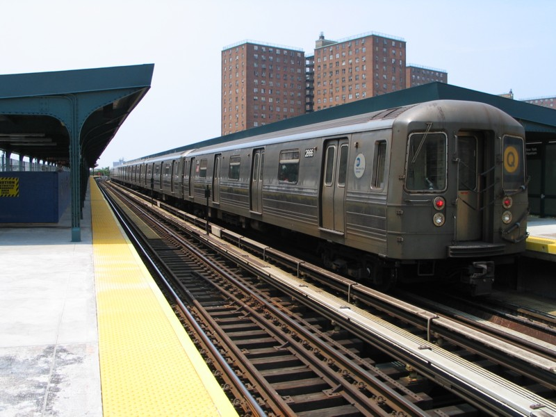 (134k, 800x600)<br><b>Country:</b> United States<br><b>City:</b> New York<br><b>System:</b> New York City Transit<br><b>Line:</b> BMT Brighton Line<br><b>Location:</b> West 8th Street <br><b>Route:</b> Q<br><b>Car:</b> R-68 (Westinghouse-Amrail, 1986-1988)  2866 <br><b>Photo by:</b> Neil Feldman<br><b>Date:</b> 7/1/2004<br><b>Viewed (this week/total):</b> 1 / 3454