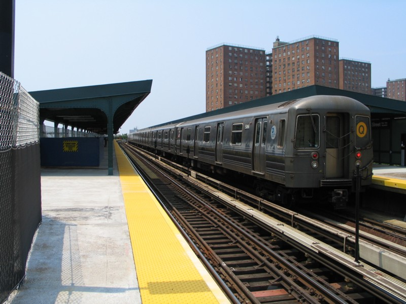 (126k, 800x600)<br><b>Country:</b> United States<br><b>City:</b> New York<br><b>System:</b> New York City Transit<br><b>Line:</b> BMT Brighton Line<br><b>Location:</b> West 8th Street <br><b>Route:</b> Q<br><b>Car:</b> R-68A (Kawasaki, 1988-1989)  5066 <br><b>Photo by:</b> Neil Feldman<br><b>Date:</b> 7/1/2004<br><b>Viewed (this week/total):</b> 0 / 3329