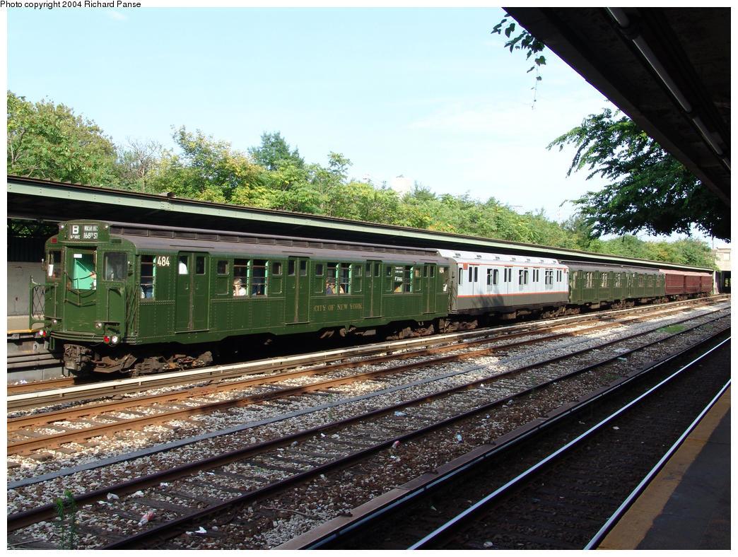 (221k, 1044x788)<br><b>Country:</b> United States<br><b>City:</b> New York<br><b>System:</b> New York City Transit<br><b>Line:</b> BMT Sea Beach Line<br><b>Location:</b> Fort Hamilton Parkway <br><b>Route:</b> Fan Trip<br><b>Car:</b> R-4 (American Car & Foundry, 1932-1933) 484 <br><b>Photo by:</b> Richard Panse<br><b>Date:</b> 7/25/2004<br><b>Viewed (this week/total):</b> 0 / 3229