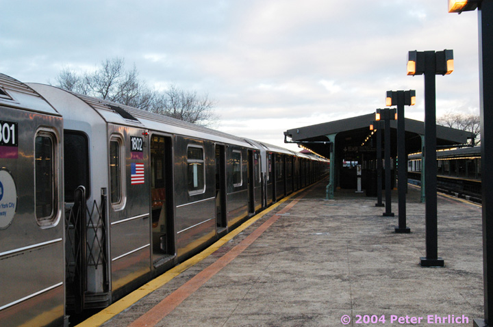 (137k, 720x478)<br><b>Country:</b> United States<br><b>City:</b> New York<br><b>System:</b> New York City Transit<br><b>Line:</b> IRT Flushing Line<br><b>Location:</b> Willets Point/Mets (fmr. Shea Stadium) <br><b>Route:</b> 7<br><b>Car:</b> R-62A (Bombardier, 1984-1987)  1802 <br><b>Photo by:</b> Peter Ehrlich<br><b>Date:</b> 12/25/2003<br><b>Viewed (this week/total):</b> 0 / 2991