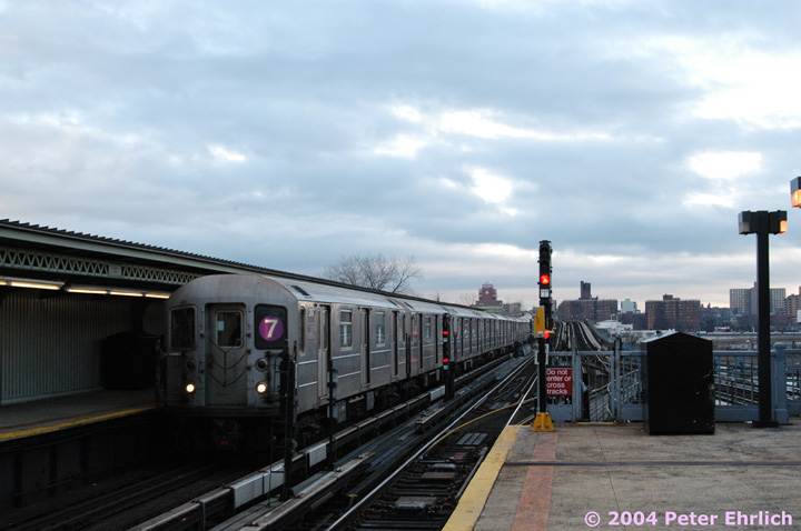 (112k, 720x478)<br><b>Country:</b> United States<br><b>City:</b> New York<br><b>System:</b> New York City Transit<br><b>Line:</b> IRT Flushing Line<br><b>Location:</b> Willets Point/Mets (fmr. Shea Stadium) <br><b>Route:</b> 7<br><b>Car:</b> R-62A (Bombardier, 1984-1987)  2117 <br><b>Photo by:</b> Peter Ehrlich<br><b>Date:</b> 12/25/2003<br><b>Viewed (this week/total):</b> 0 / 2589