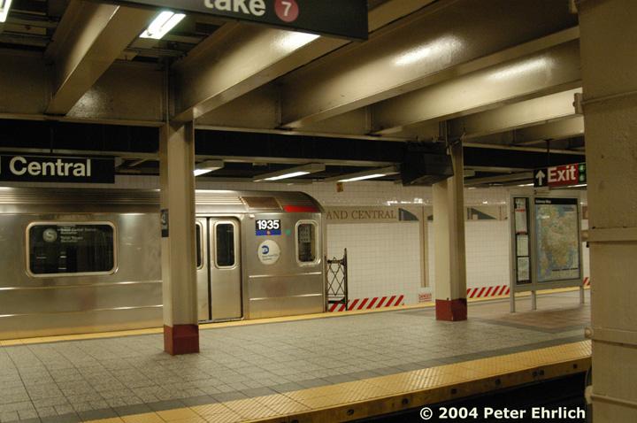 (142k, 720x478)<br><b>Country:</b> United States<br><b>City:</b> New York<br><b>System:</b> New York City Transit<br><b>Line:</b> IRT Times Square-Grand Central Shuttle<br><b>Location:</b> Grand Central <br><b>Route:</b> S<br><b>Car:</b> R-62A (Bombardier, 1984-1987)  1935 <br><b>Photo by:</b> Peter Ehrlich<br><b>Date:</b> 7/16/2004<br><b>Viewed (this week/total):</b> 0 / 3794