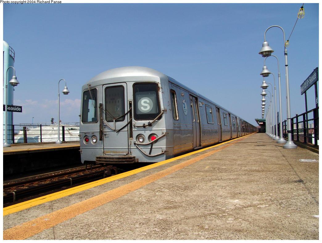 (176k, 1044x788)<br><b>Country:</b> United States<br><b>City:</b> New York<br><b>System:</b> New York City Transit<br><b>Line:</b> IND Rockaway<br><b>Location:</b> Beach 105th Street/Seaside <br><b>Route:</b> S<br><b>Car:</b> R-44 (St. Louis, 1971-73) 5298 <br><b>Photo by:</b> Richard Panse<br><b>Date:</b> 7/17/2004<br><b>Viewed (this week/total):</b> 0 / 3947