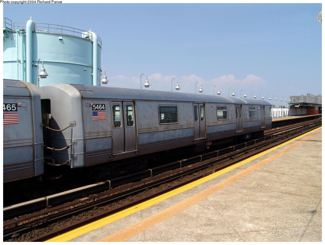 (148k, 1044x788)<br><b>Country:</b> United States<br><b>City:</b> New York<br><b>System:</b> New York City Transit<br><b>Line:</b> IND Rockaway<br><b>Location:</b> Beach 105th Street/Seaside <br><b>Car:</b> R-44 (St. Louis, 1971-73) 5464 <br><b>Photo by:</b> Richard Panse<br><b>Date:</b> 7/17/2004<br><b>Notes:</b> S<br><b>Viewed (this week/total):</b> 0 / 3503