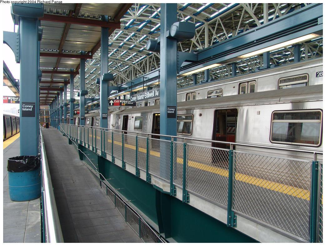 (234k, 1044x788)<br><b>Country:</b> United States<br><b>City:</b> New York<br><b>System:</b> New York City Transit<br><b>Location:</b> Coney Island/Stillwell Avenue<br><b>Route:</b> G<br><b>Car:</b> R-46 (Pullman-Standard, 1974-75) 5567 <br><b>Photo by:</b> Richard Panse<br><b>Date:</b> 7/18/2004<br><b>Viewed (this week/total):</b> 0 / 5030