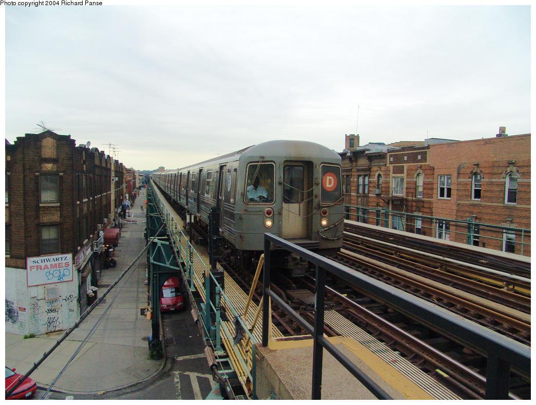 (176k, 1044x788)<br><b>Country:</b> United States<br><b>City:</b> New York<br><b>System:</b> New York City Transit<br><b>Line:</b> BMT West End Line<br><b>Location:</b> 55th Street <br><b>Route:</b> D<br><b>Car:</b> R-68/R-68A Series (Number Unknown)  <br><b>Photo by:</b> Richard Panse<br><b>Date:</b> 7/24/2004<br><b>Viewed (this week/total):</b> 0 / 3872