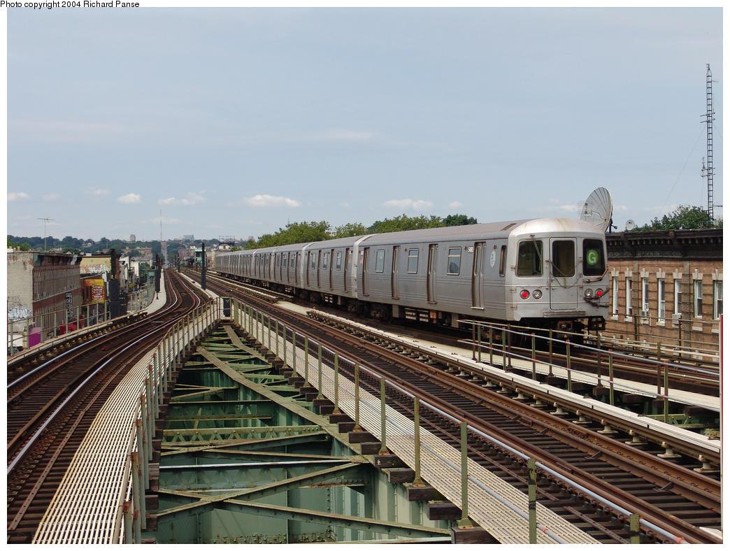 (190k, 1044x788)<br><b>Country:</b> United States<br><b>City:</b> New York<br><b>System:</b> New York City Transit<br><b>Line:</b> BMT Culver Line<br><b>Location:</b> 18th Avenue <br><b>Route:</b> G<br><b>Car:</b> R-46 (Pullman-Standard, 1974-75) 5490 <br><b>Photo by:</b> Richard Panse<br><b>Date:</b> 7/25/2004<br><b>Viewed (this week/total):</b> 1 / 5335