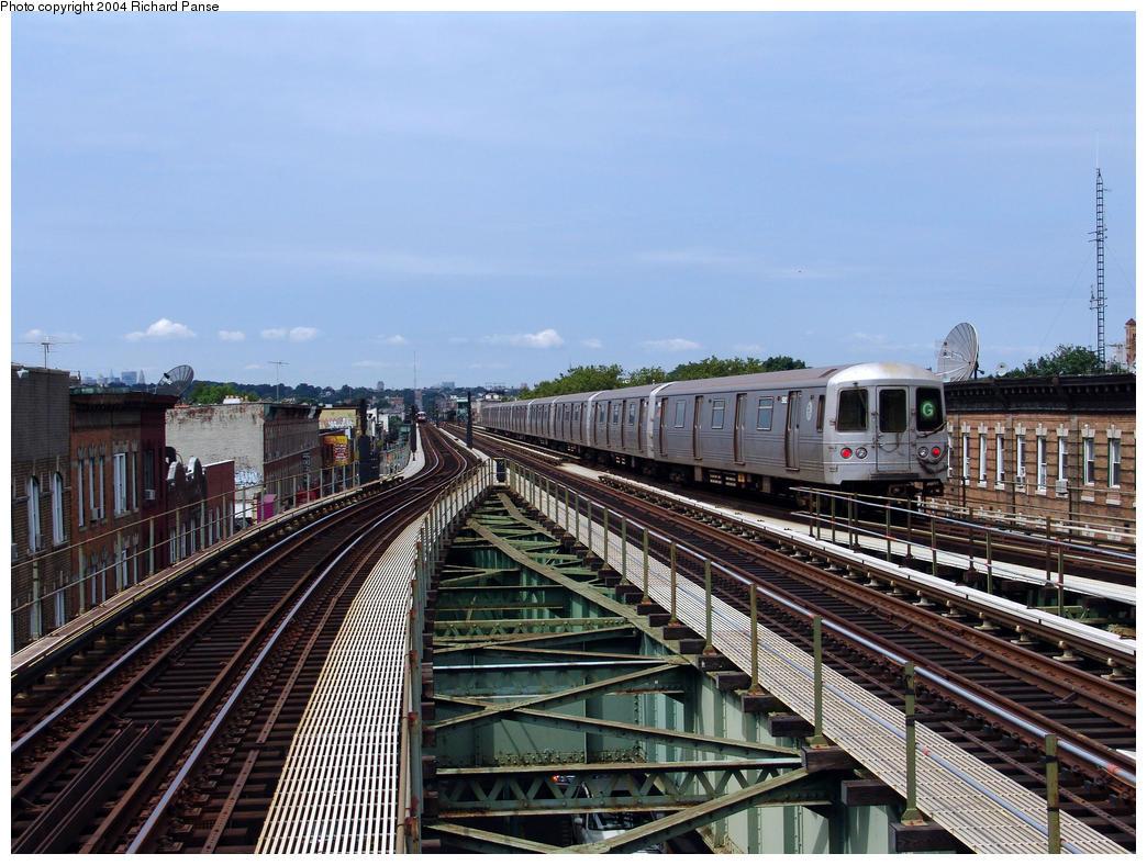 (189k, 1044x788)<br><b>Country:</b> United States<br><b>City:</b> New York<br><b>System:</b> New York City Transit<br><b>Line:</b> BMT Culver Line<br><b>Location:</b> 18th Avenue <br><b>Route:</b> G<br><b>Car:</b> R-46 (Pullman-Standard, 1974-75) 5982 <br><b>Photo by:</b> Richard Panse<br><b>Date:</b> 7/25/2004<br><b>Viewed (this week/total):</b> 2 / 3876