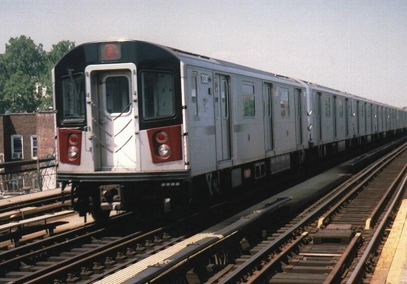 (213k, 810x566)<br><b>Country:</b> United States<br><b>City:</b> New York<br><b>System:</b> New York City Transit<br><b>Line:</b> IRT Pelham Line<br><b>Location:</b> Castle Hill Avenue <br><b>Route:</b> 6<br><b>Car:</b> R-142A (Primary Order, Kawasaki, 1999-2002)  7330 <br><b>Photo by:</b> Gary Chatterton<br><b>Date:</b> 7/20/2004<br><b>Viewed (this week/total):</b> 1 / 3916