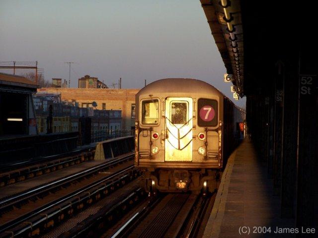 (47k, 640x480)<br><b>Country:</b> United States<br><b>City:</b> New York<br><b>System:</b> New York City Transit<br><b>Line:</b> IRT Flushing Line<br><b>Location:</b> 52nd Street/Lincoln Avenue <br><b>Route:</b> 7<br><b>Photo by:</b> James Lee<br><b>Date:</b> 7/2004<br><b>Viewed (this week/total):</b> 1 / 3093