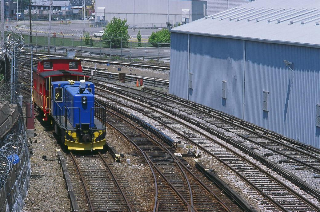 (218k, 1040x690)<br><b>Country:</b> United States<br><b>City:</b> New York<br><b>System:</b> New York City Transit<br><b>Line:</b> SIRT<br><b>Location:</b> Clifton Yard/Shops <br><b>Car:</b> R-41 Locomotive  58 <br><b>Photo by:</b> Marc Pitanza<br><b>Date:</b> 5/25/2004<br><b>Viewed (this week/total):</b> 1 / 6358