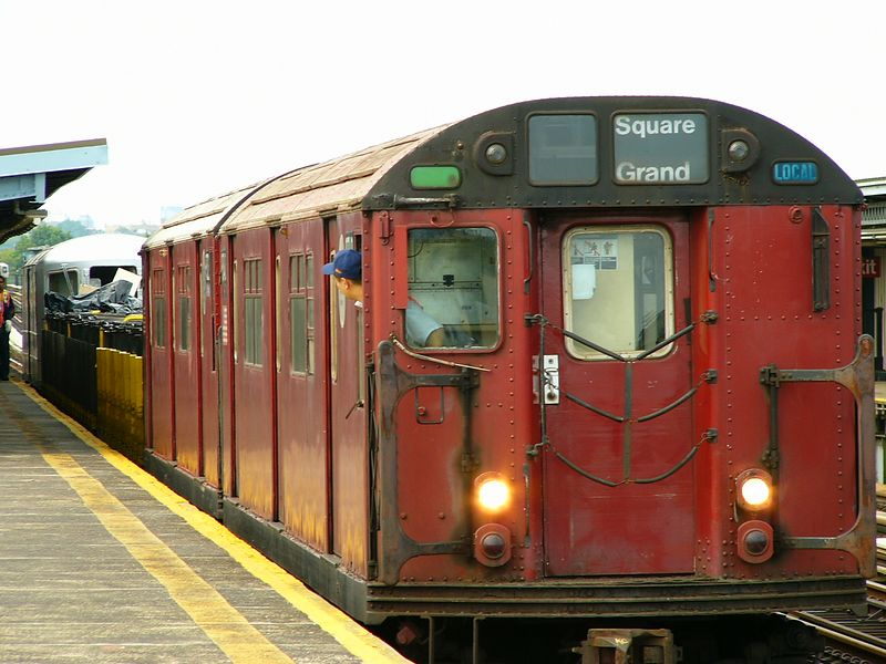 (79k, 800x600)<br><b>Country:</b> United States<br><b>City:</b> New York<br><b>System:</b> New York City Transit<br><b>Line:</b> BMT Culver Line<br><b>Location:</b> Bay Parkway (22nd Avenue) <br><b>Route:</b> Work Service<br><b>Car:</b> R-33 World's Fair (St. Louis, 1963-64) 9340 <br><b>Photo by:</b> Ted Siuta<br><b>Date:</b> 7/25/2004<br><b>Viewed (this week/total):</b> 4 / 3740