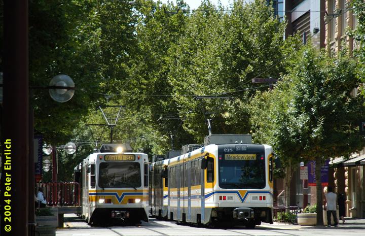 (230k, 720x465)<br><b>Country:</b> United States<br><b>City:</b> Sacramento, CA<br><b>System:</b> SACRT Light Rail<br><b>Location:</b> 9th & K <br><b>Car:</b> Sacramento Siemens LRV  121/218 <br><b>Photo by:</b> Peter Ehrlich<br><b>Date:</b> 6/28/2004<br><b>Notes:</b> Lima Park Station for Watt/I-80-bound trains, and South Line trains terminating downtown.<br><b>Viewed (this week/total):</b> 1 / 1599