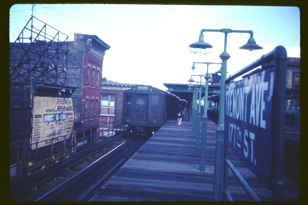 (98k, 1008x672)<br><b>Country:</b> United States<br><b>City:</b> New York<br><b>System:</b> New York City Transit<br><b>Line:</b> 3rd Avenue El<br><b>Location:</b> Tremont Avenue <br><b>Car:</b> Low-V Worlds Fair  <br><b>Photo by:</b> Joe Korman<br><b>Viewed (this week/total):</b> 0 / 4374