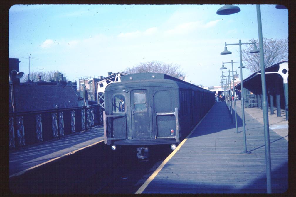 (94k, 1008x672)<br><b>Country:</b> United States<br><b>City:</b> New York<br><b>System:</b> New York City Transit<br><b>Line:</b> BMT Franklin<br><b>Location:</b> Franklin Avenue <br><b>Car:</b> BMT A/B-Type Standard  <br><b>Photo by:</b> Joe Korman<br><b>Viewed (this week/total):</b> 1 / 2831
