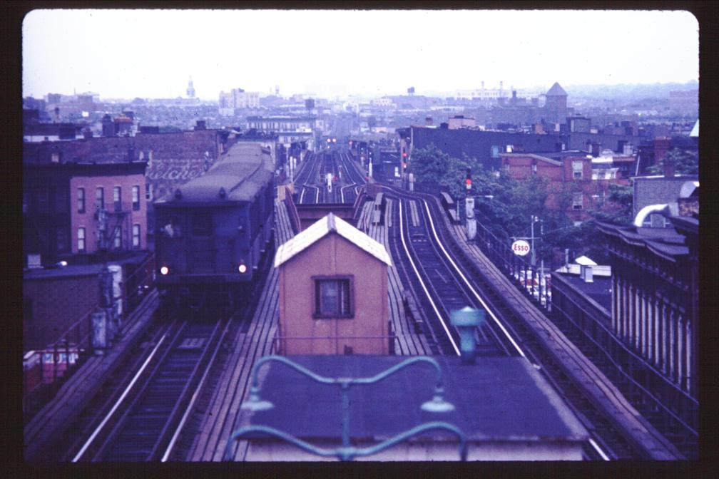 (110k, 1008x672)<br><b>Country:</b> United States<br><b>City:</b> New York<br><b>System:</b> New York City Transit<br><b>Line:</b> BMT Myrtle Avenue Line<br><b>Location:</b> Broadway/Myrtle Avenue (Upper Level) <br><b>Car:</b> BMT Q  <br><b>Photo by:</b> Joe Korman<br><b>Viewed (this week/total):</b> 1 / 10481